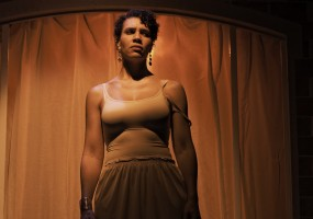 Leontyne Mbele-Mbong (Medea). Medea hears the deaths of Kreon and Jason's new wife